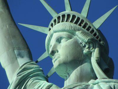 statue of liberty 267949 960 720 400x300 - 【NEWS】トランプ大統領の輸入関税政策から見る電子タバコの勢い!