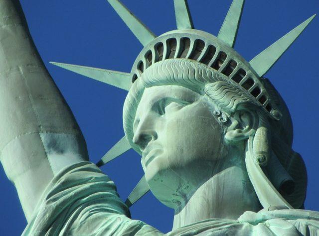 statue of liberty 267949 960 720 640x475 - 【NEWS】トランプ大統領の輸入関税政策から見る電子タバコの勢い!