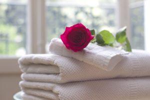 towel 759980 960 720 300x200 - 【TIPS】ホテルで電子タバコを使用したらクリーニング代を請求される!?
