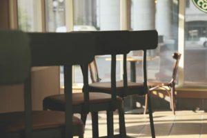chair 1148930 960 720 300x200 - 【TIPS】牛丼チェーンで電子たばこは使用できる?大手を調べてみた!