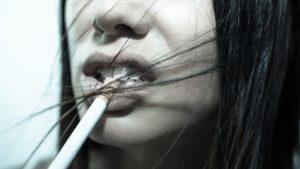 cigarette 923192 960 720 300x169 - 【TIPS】電子タバコと無煙タバコの違いとは?取り扱いの注意点まとめ