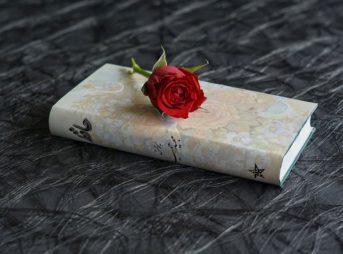 persian poems 3199610 960 720 343x254 - 【TIPS】電子タバコをオシャレにアレンジしたいならスキンシールが便利!
