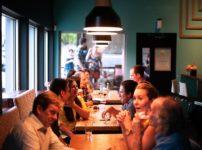 restaurant 690975 960 720 202x150 - 【TIPS】牛丼チェーンで電子たばこは使用できる?大手を調べてみた!