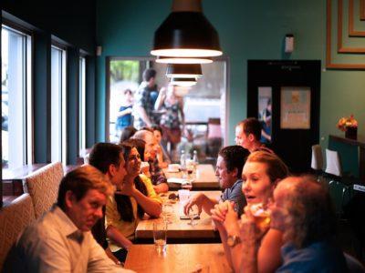 restaurant 690975 960 720 400x300 - 【TIPS】牛丼チェーンで電子たばこは使用できる?大手を調べてみた!