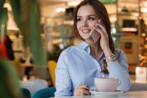 woman 3083379 960 720 300x200 - 【TIPS】スターバックスは一部店舗で電子たばこの使用が可能?