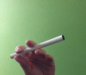 35d34966beaf8053b7b36ad67add1f83 s 300x263 - 【TIPS】タバコ値上げでベイプを始めたい!電子タバコの不安や疑問にお答えします