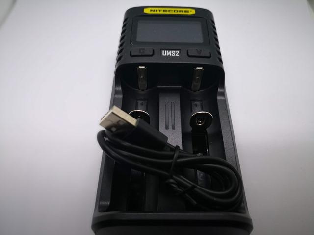 IMG 20181026 010440 thumb - 【レビュー】Nitecore UM2/UMS2/UM4/UMS4バッテリーチャージャー(充電器)レビュー。最大3A急速充電対応ナイトコアの普及価格帯コスパ充電器。リチウムマンガンバッテリー最強