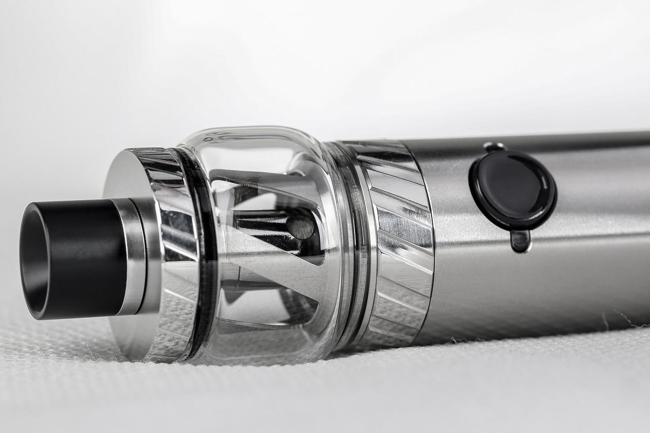 vape 1540979198 - 【TIPS】タバコ値上げでベイプを始めたい!電子タバコの不安や疑問にお答えします