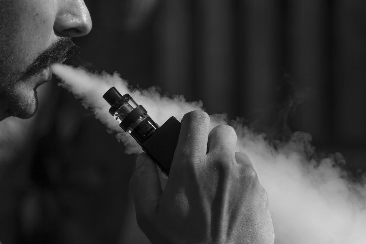 vaporizer 1540604717 - 【TIPS】タバコ高すぎ!ヴェポライザーでコストカットの方法とイチオシ商品は?ヴェポライザーまとめ【加熱式タバコ/IQOS3】