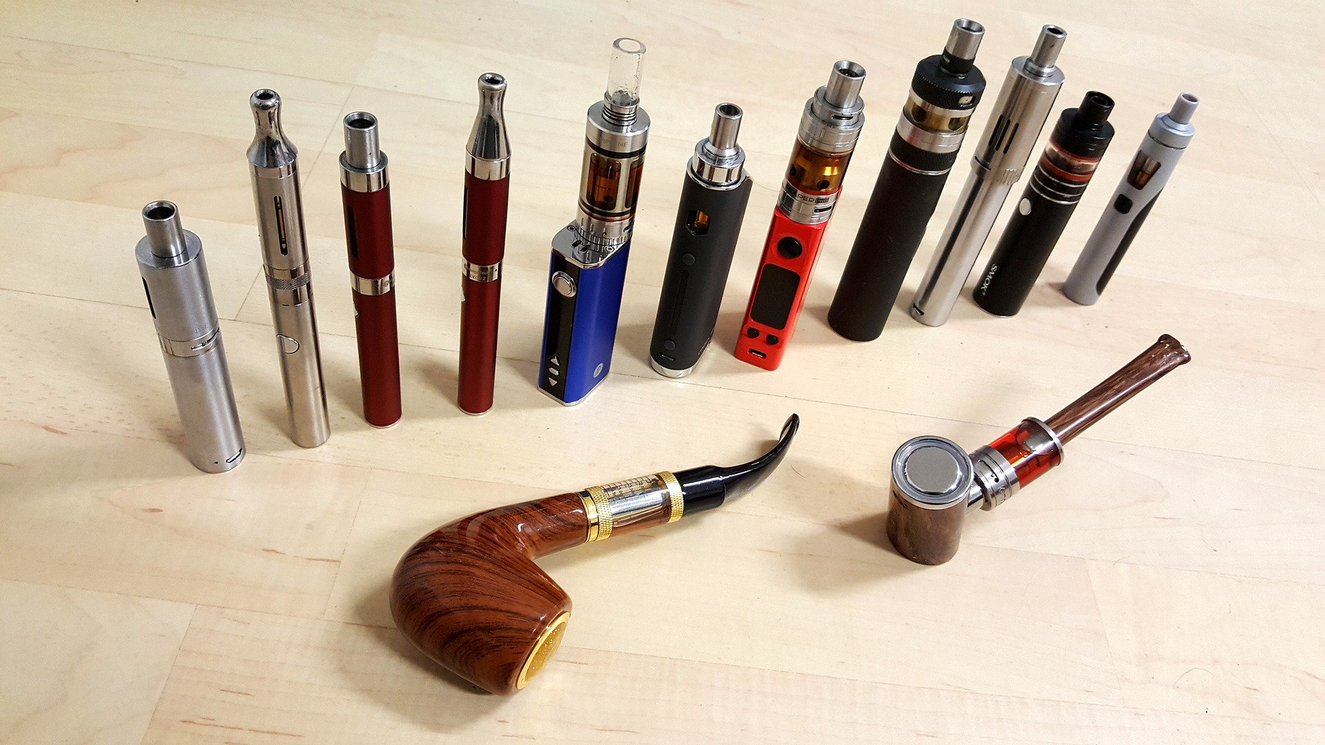 e cigarette collection 3159700 1920 - 【TIPS】ヴェポライザー必須のアイテム!見逃してはいけないヴェポライザーグッズ