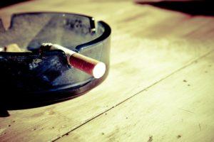cigarette 599485 1920 300x200 - 【TIPS】IQOSの使用で抜け毛が増えた!?原因と対処法を知っておこう!