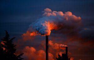 smoke 258786 1920 300x194 - 【TIPS】油断は禁物!VAPEに潜む発がん性物質ホルムアルデヒドとは!?