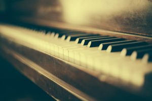 piano 349928 1920 300x200 - 【ゲーム】懐かしの名作!アクトレイザーを紹介!【スクウェア・エニックス/スーパーファミコン用アクションゲーム/レトロゲーム】
