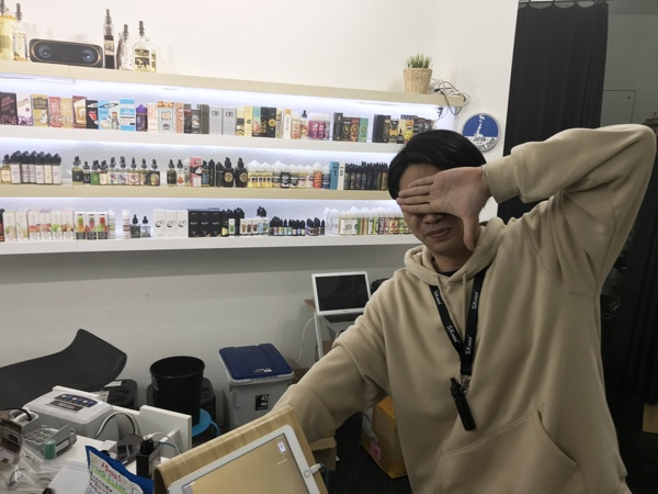 cIMG 0829 - 【訪問日記・レビュー】錦糸町のWORLD VAPE SHOPに行った話。REVIUS PEAR FLASH by Vethos Design