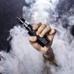 a man holding an e cigarette thumb 150x150 - 【TIPS】IQOSの使用で抜け毛が増えた!?原因と対処法を知っておこう!