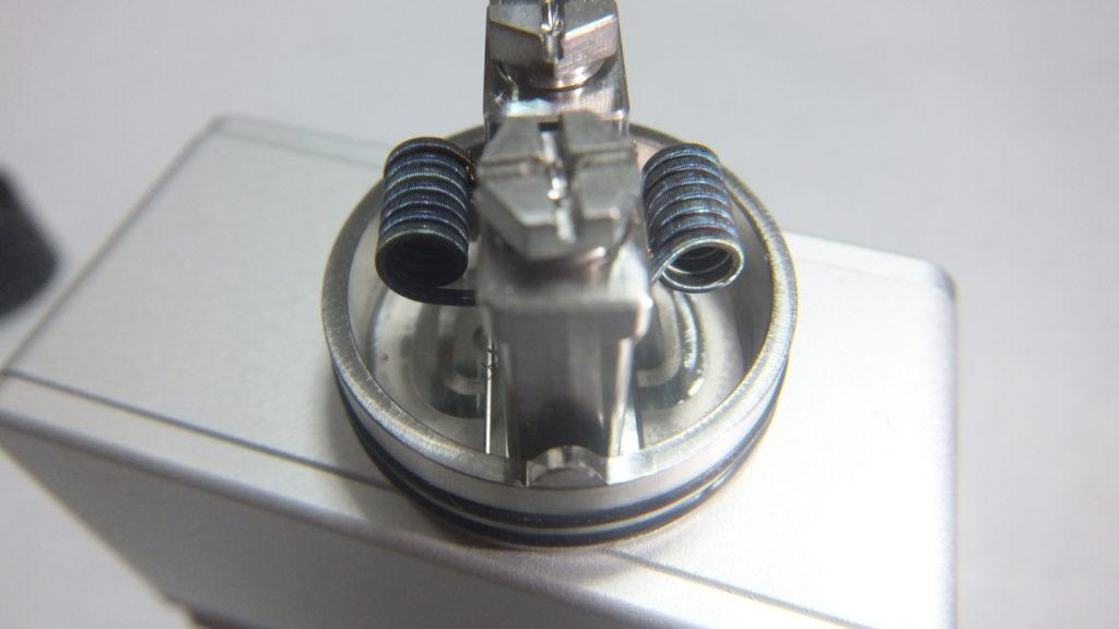 DSCF2291 1024x576 - 【レビュー】AUGVAPEから新しいアトマイザーOCCULA RDAが登場! シングルコイル・デュアルコイルのどちらにも対応するエアフローシステム採用! これも爆煙向けかな?