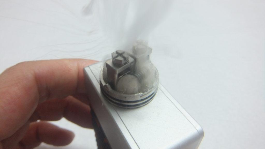 DSCF2307 1024x576 - 【レビュー】AUGVAPEから新しいアトマイザーOCCULA RDAが登場! シングルコイル・デュアルコイルのどちらにも対応するエアフローシステム採用! これも爆煙向けかな?