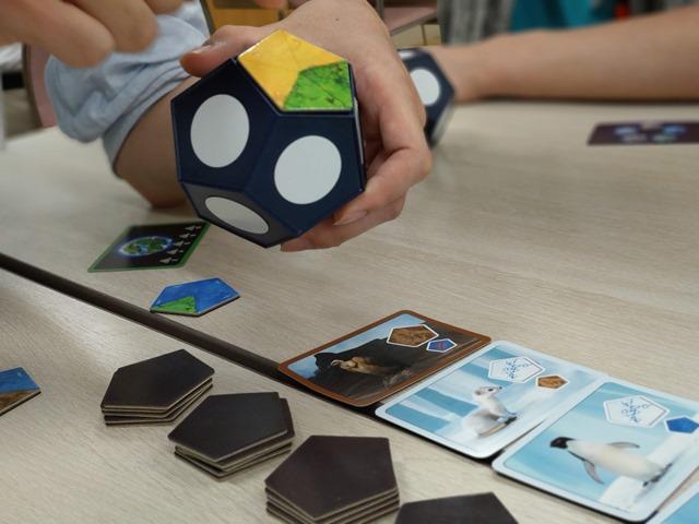 IMAG3656 thumb - 【訪問/レビュー】きなボド!(北名古屋市ボードゲーム会)で遊んできた「プラネット・メーカー」レビュー。【北名古屋市健康ドーム/ボドゲ/アナログゲーム】