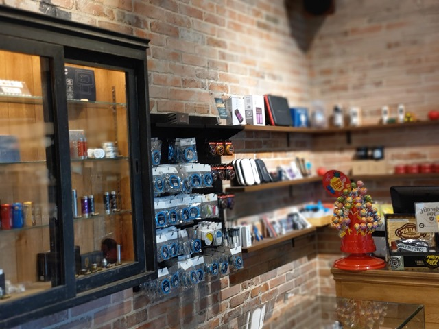 IMAG3679 thumb - 【訪問】電子タバコ専門店VERY VERY VAPE MINAMI HQに行ってきた!【CBDウォーター/VAPE/MOD/ハイエンド】