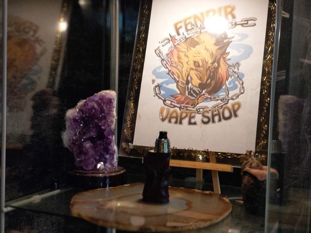IMAG4536 thumb - 【訪問】Fenrir Vape(フェンリルベイプ)ショップ訪問レポ!店内で喫煙OK自由空間と、サバゲ&ホビー用品展示もすごい漢の子の夢が詰まったVAPEショップ【東京VAPEショップ訪問レポート】