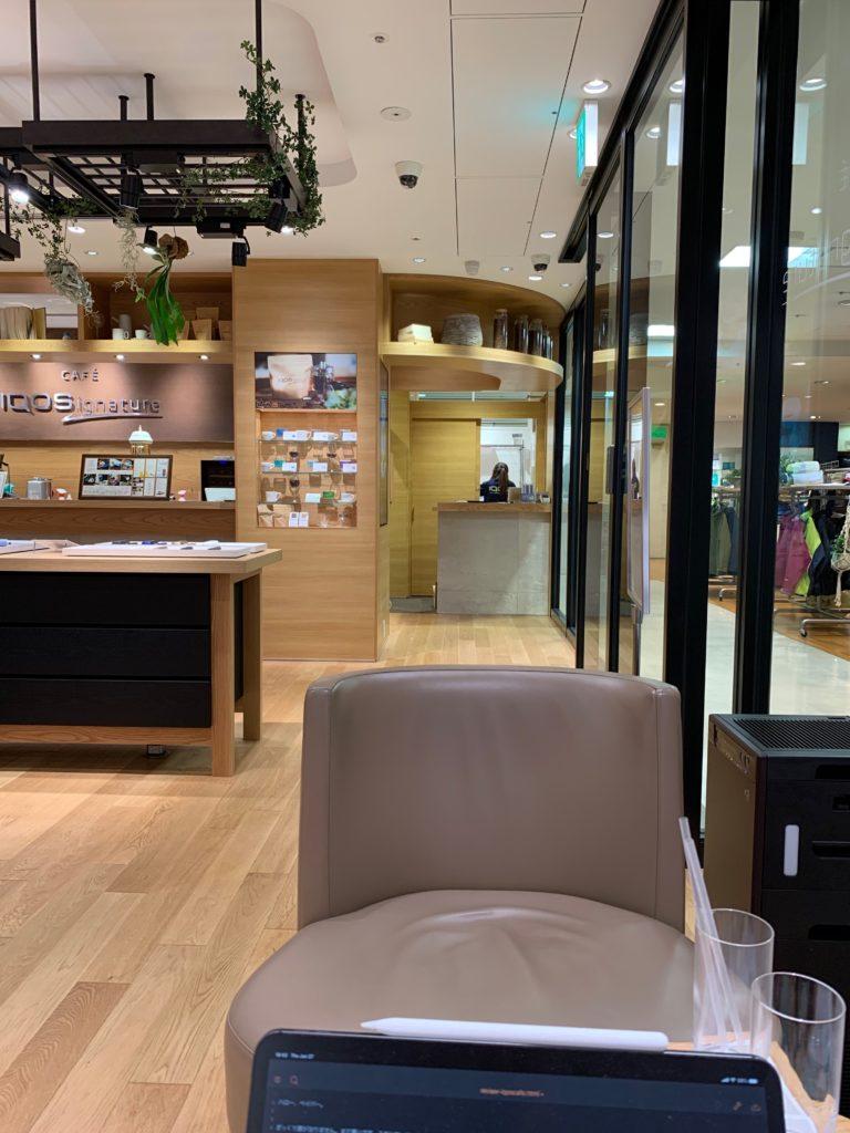 IMG 0359 768x1024 - 【訪問】IQOSカフェで、IQOSカルチャーに飛び込もう!IQOSカフェ「カフェアイコス・イグネーチャー」体験レポート【アイコス/加熱式タバコ/店舗】