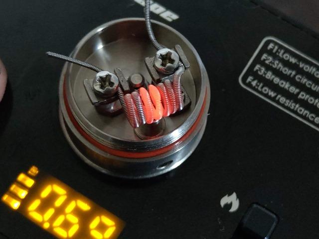 IMAG5023 thumb - 【レビュー】TITANIUM MODS Achilles III RDA+Squonkピンレビュー。BF対応のアキレス!フレーバー軍神はとうとうDLの領域に突入するドリッパー!!【チタン製/軽量/アトマイザー/スコンカー/ボトムフィーダー/電子タバコ】