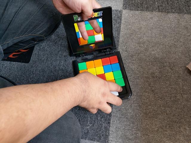 IMAG5535 thumb - 【訪問】ルービックキューブみたいなスライド対戦パズルボードゲーム「Rubik's Race(ルービックスレース)」で遊ぶ@名古屋One Case(ワンケース)訪問レポート