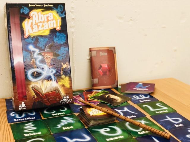 IMG 2446 thumb 1 - 【ボドゲ】「アブラカザーム! 日本語版 (Abra Kazam!)」「コリントス 日本語版 (Corinth)」「アンロック! ヒロイックアドベンチャー 日本語版 (Unlock! Heroic Adventures)」「ブラッディ・イン 日本語版 (Bloody Inn)」