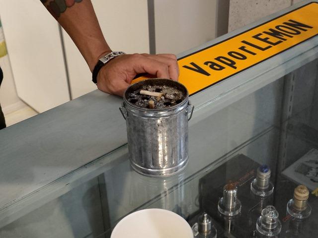 IMAG6369 thumb - 【訪問】VaporLEMON(ベイパーレモン)@愛知県小牧市のリニューアルオープンイベントに行ってきたよ。キレイ&広い店内でくつろぎVAPE&シーシャスペース (予定)【看板娘もお待ちしています/店内喫煙も可能】