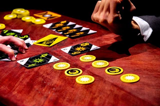 IMGP6411 thumb - 【GIVEAWAY】「シノミリア(συνομιλία)」まるでギャンブル漫画の主人公のような体験ができる!! 超おもしろボードゲームをサイン入りで5名様にプレゼント【ボドゲ/プレゼント企画】