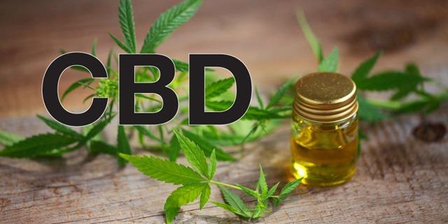 cbd oil thumb - 【CBD】今、世間で話題の「CBDリキッド」の真打「月の葉CBDリキッド」がヴェポナビさんから登場!!高純度99.6%、激安・大量購入に最適【ニコチンゼロ】