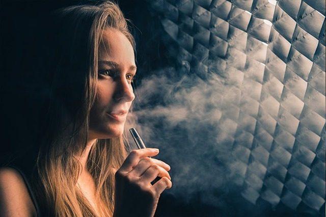what is vaping thumbnail thumb 1 640x426 - 【NEWS】 【VAPE\(^o^)/】米国で10代の若者ら数十人が謎の肺疾患で入院 #電子タバコ が原因か【VAPE/電子タバコ/健康】