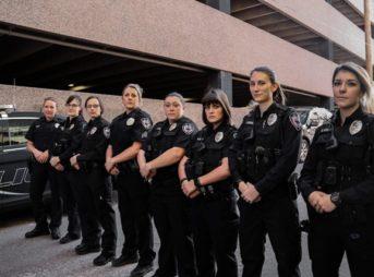 CPD Policewoman Day 3 thumb 343x254 - 【社会】ホラー映画よりスリルがある!うその110番をして警察官から逃げ回る「ハイパーゲーム」が福岡市の少年たちに大流行