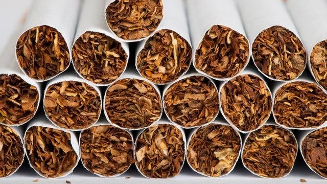 pixta 9678674 S e1487754337154 thumb - 【まとめ】昔タバコが普通に吸えた、吸ってた場所と言えば?