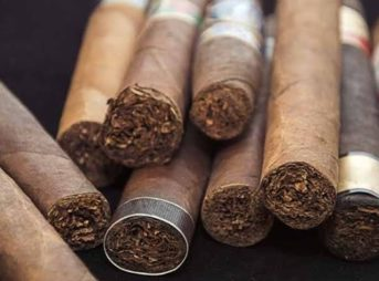 images 4 thumb 3 343x254 - 【禁煙化】カフェ分野で顧客満足度3位のスタバ 喫煙者を排除する全面禁煙は愚策 売上増加には分煙が必須か