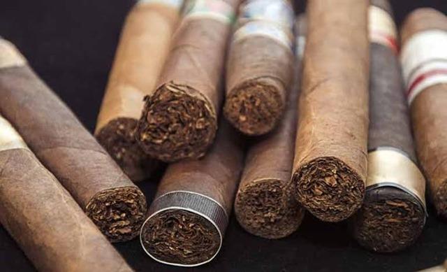 images 4 thumb 3 - 【喫煙】AV出演者の権利守る前に喫煙者の権利守ってよ。AVは高額なギャラ貰ってるだろ