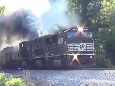 images 9 thumb 400x300 - 【鉄道】近鉄、来年2月から全特急車両の座席を禁煙化 12200系は順次特急の運用から離脱