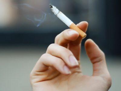 smoking thumb 400x300 - 【タバコ】おんj民の吸ってるタバコ教えて!【喫煙/Tobacco/煙草】