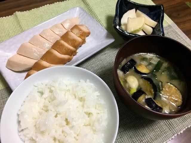 images 1 thumb 6 - 【ネット】「今の時代、自炊は贅沢だろ」というツイートに賛否両論の嵐【自炊/調理/料理】