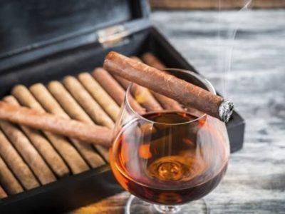 images 3 thumb 3 400x300 - 【喫煙】年収200万円未満の貧困層に喫煙者が多い事が判明