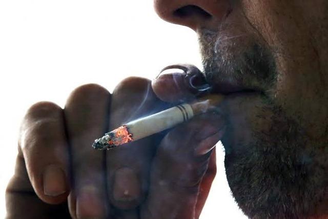 images 6 thumb 1 - 【喫煙】タバコの吸いすぎで吐き気が酷いから今日内科で胃の検査やるんだけど・・・