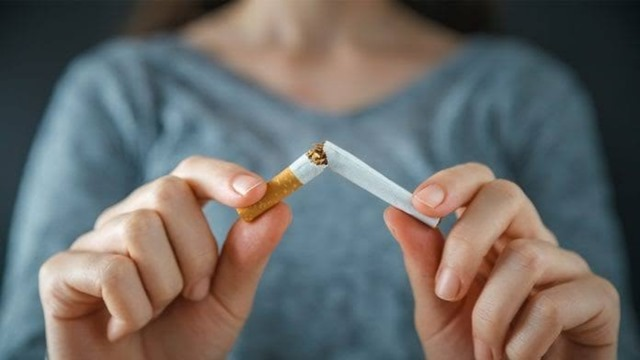 images 9 thumb - 【タバコ】タバコ吸わない人間があと85日耐え抜くスレ
