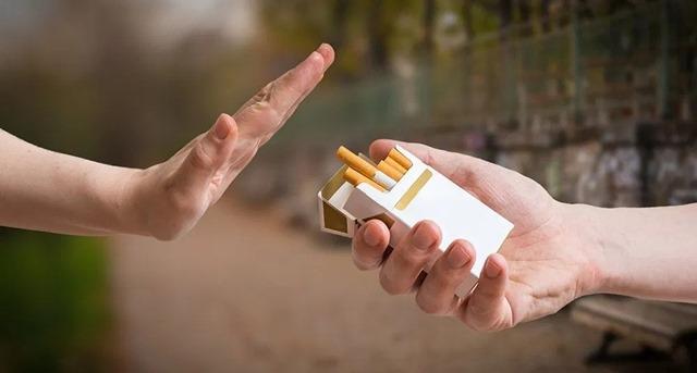 10 datos sobre el consumo del ta thumb - お前らって「酒」「タバコ」「女」「ギャンブル」の4つのうちどれにハマった?
