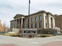 Colorado Springs City Hall by Da thumb 202x150 - 【喫煙】時代に逆行、市役所に喫煙所が復活したワケ