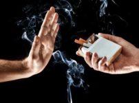 hand up stop smoking thumb 202x150 - 【コンビニ】「タバコは売るけど他所で吸ってね実験」、客の反応は不評、どちらかといえば不評が8割超・大分