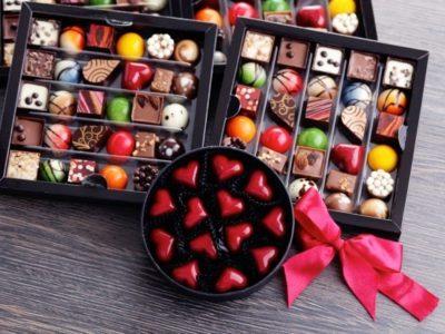 shutterstock 223784566 thumb 400x300 - 【芸能】小島慶子、「義理チョコやめよう」広告に「賛成!」「儀式が職場で習慣化してるって、まずいよね」