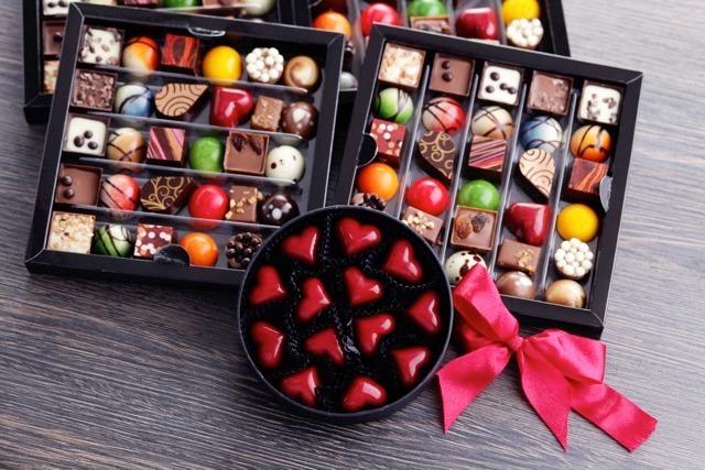 shutterstock 223784566 thumb - 【芸能】小島慶子、「義理チョコやめよう」広告に「賛成!」「儀式が職場で習慣化してるって、まずいよね」