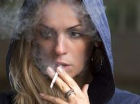 Blog 7 thumb 202x150 - 【喫煙】禁煙法案に喫煙者反発 「タバコくらい好きに吸わせろや」 「死ねってか?」 「売るんじゃねーよ!」