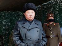 1 4836494 202x150 - 【時事】北朝鮮 カリアゲ君 生存確認、ベッドでタバコ吸い酒飲む画像出回るw