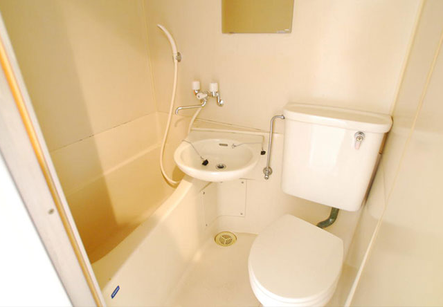 bath toilet merit demerit 1 640x444 - 【まとめ】風呂とトイレが一緒の物件ってどう思う?